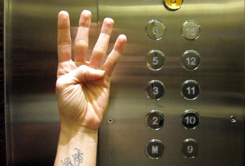 Почему у многих мультипликационных персонажей Диснея на руках по четыре пальца?