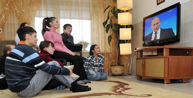 Какие сериалы можно увидеть на мониторах и экранах у жителей России