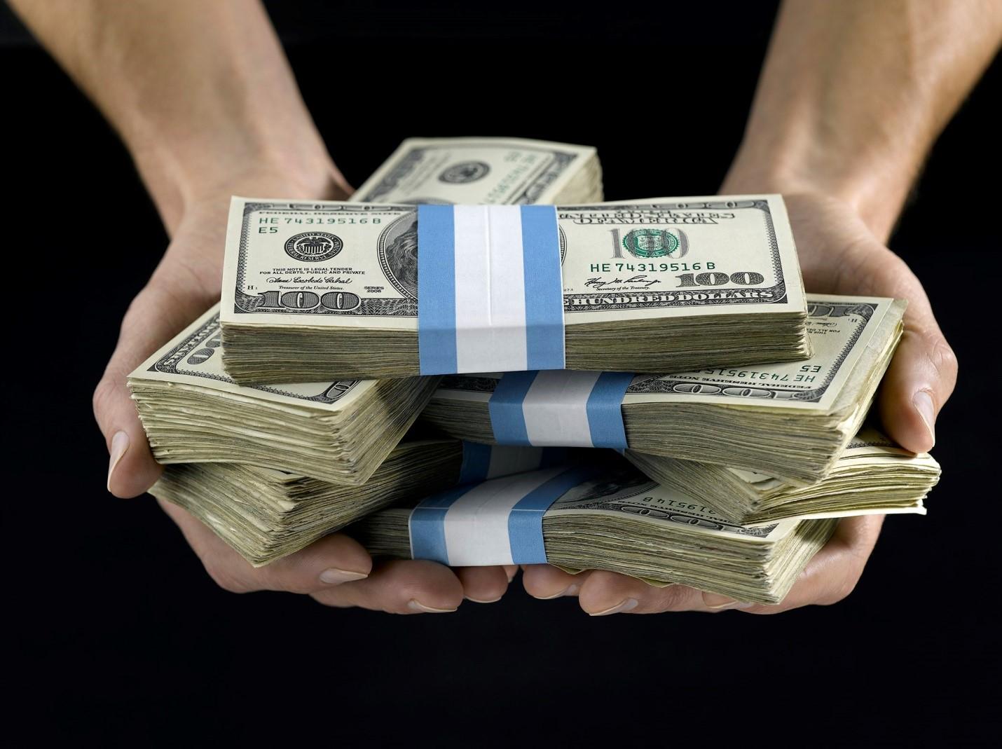 Совестливые люди: 7 людей, которые нашли и вернули большие суммы денег
