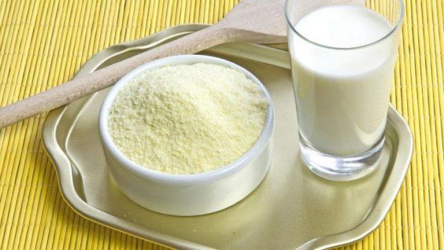 Легкие способы проверки молока на натуральность и свежесть в домашних условиях